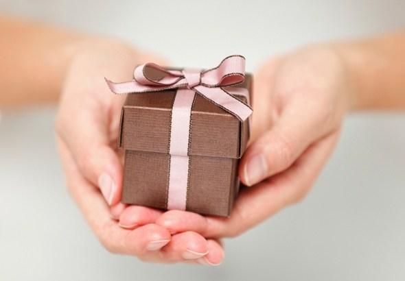Небольшие подарки для женщин 47
